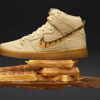 Nike invente des sneakers inspirées par... des gaufres et du poulet : filet de bave garanti !