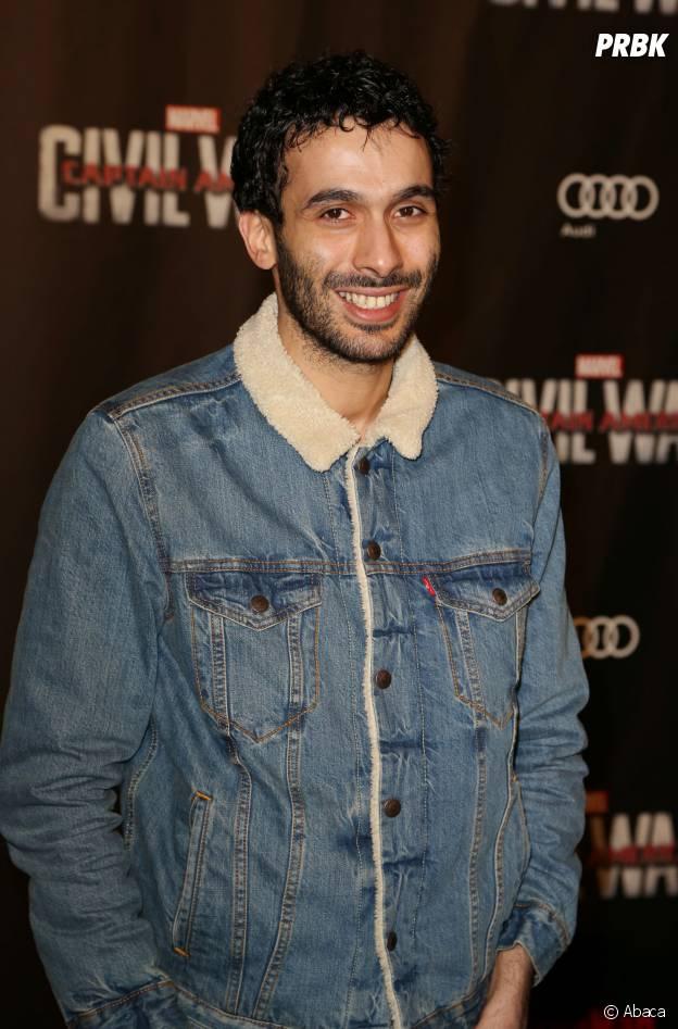 Mustapha El Atrassi a sorti la veste en jean