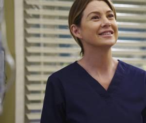 Grey's Anatomy saison 12, épisode 21 : Meredith (Ellen Pompeo) sur une photo