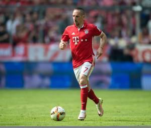 """Franck Ribery a chanté """"Aux Champs-Elysées"""" pour fêter la victoire du Bayern Munich !"""