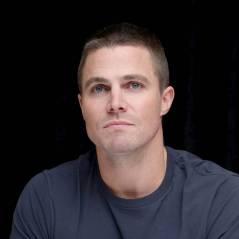 Stephen Amell (Arrow) insulté par un fan : sa réponse sur Facebook