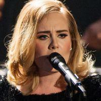 Adele : une fan lui manque de respect, la chanteuse la recadre en plein concert