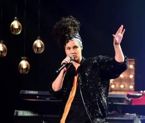 Alicia Keys arrête définitivement le maquillage et ça lui va bien !