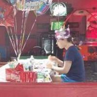 Une ado autiste seule et ignorée à son anniversaire : les internautes se mobilisent sur Facebook