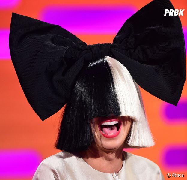 Sia : son visage dévoilé en concert à Denver à cause d'un coup de vent en juin 2016