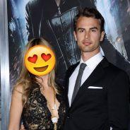 Theo James : avec qui l'acteur de Divergente est-il en couple ?