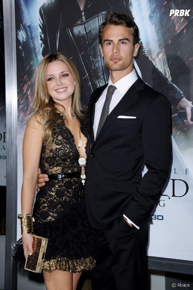 Theo James et sa petite amie Ruth Kearney en 2012
