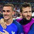 Antoine Griezmann et Yohan Cabaye après le match France-Islande le 3 juillet 2016