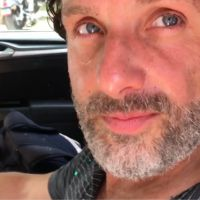 The Walking Dead saison 7 : la blague délirante de Norman Reedus en plein tournage