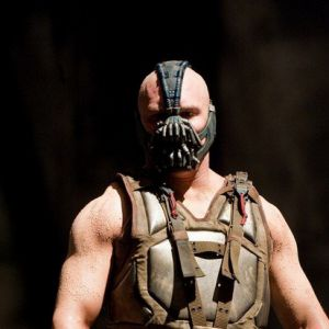 Tom Hardy (The Dark Knight Rises) : à quoi ressemble-t-il sans son masque ?