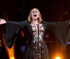 Adele malade et sans maquillage, elle s'excuse de devoir annuler son concert de ce mercredi 17 août 2016 à Phoenix