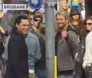 Thor 3 Ragnarok : Tom Hiddleston et Chris Hemsworth sur le tournage