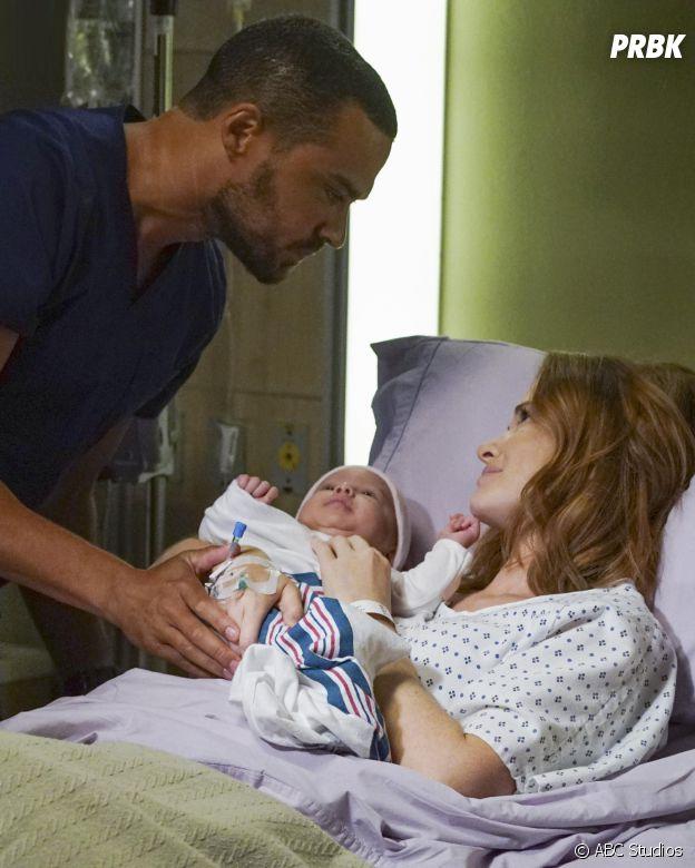 Grey's Anatomy saison 13 : April (Sarah Drew), Jackson (Jesse Williams) et leur bébé sur une photo de l'épisode 1