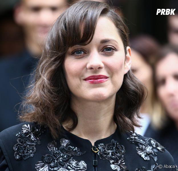 Marion Cotillard annonce sa grossesse tout en réagissant aux rumeurs de liaison avec Brad Pitt.