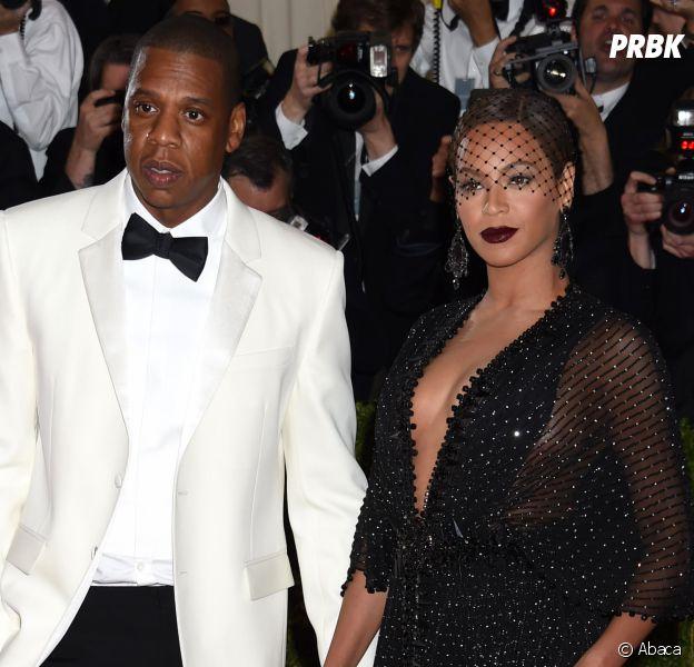 """Beyoncé et Jay-Z en guerre contre Kanye West et Kim Kardashian ? Ils penseraient que Kanye est """"fou""""."""