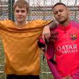 Justin Bieber supporter du FC Barcelona ? Il part s'entraîner au Barça avec Neymar !