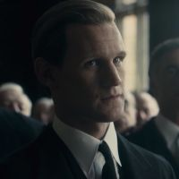 Matt Smith agressé et menacé sur le tournage de The Crown (Netflix)
