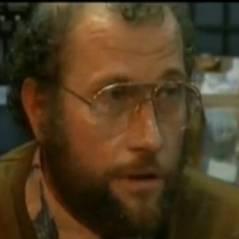 François L'Embrouille est vendeur informatique