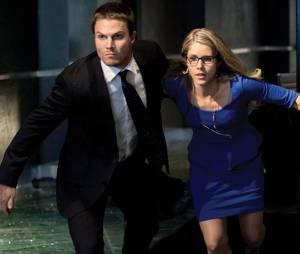 Arrow saison 5 : le créateur lassé des fans du couple Oliver/Felicity
