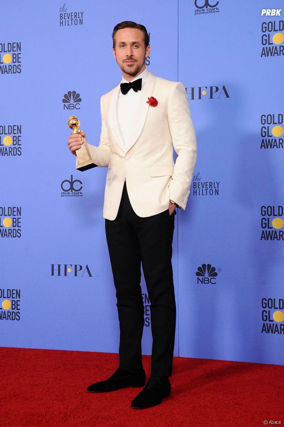 Ryan Gosling gagnant aux Golden Globes 2017 le 8 janvier à Los Angeles