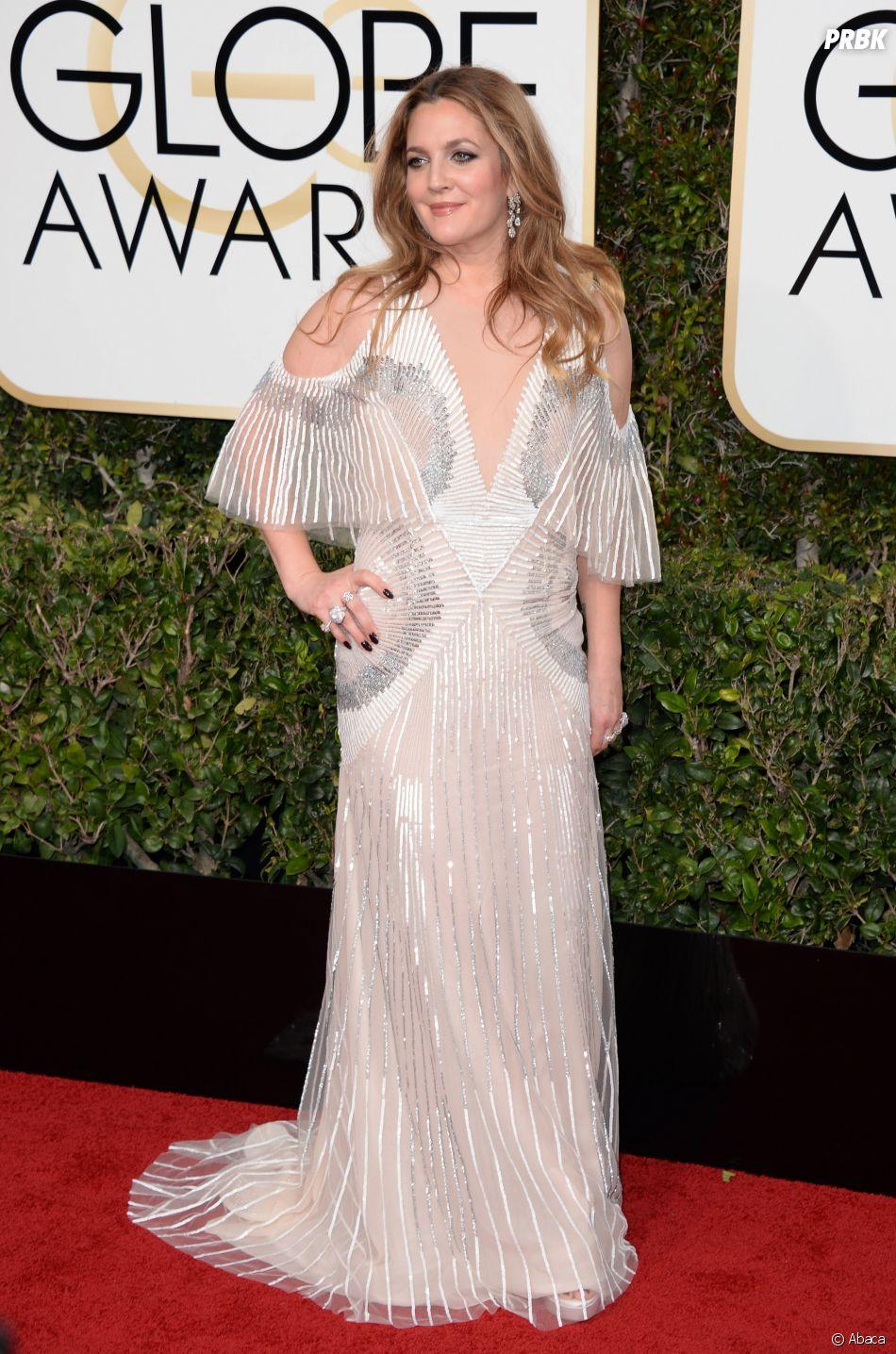 Drew Barrymore sur le tapis-rouge des Golden Globes 2017 le 8 janvier à Los Angeles
