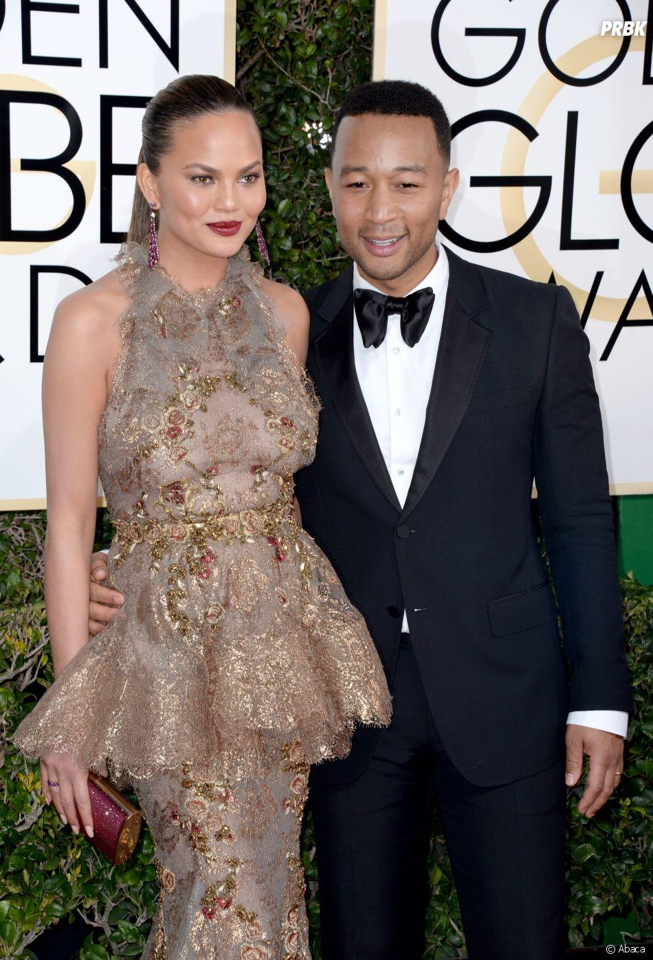 John Legend et Chrissy Tygen sur le tapis-rouge des Golden Globes 2017 le 8 janvier à Los Angeles