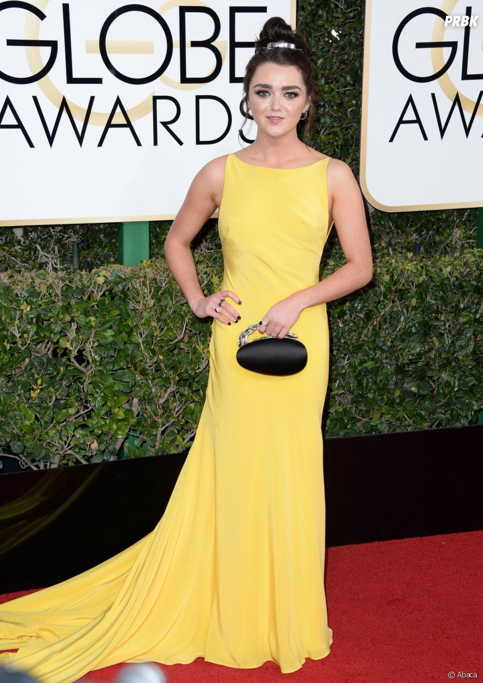 Maisie Williams sur le tapis-rouge des Golden Globes 2017 le 8 janvier à Los Angeles