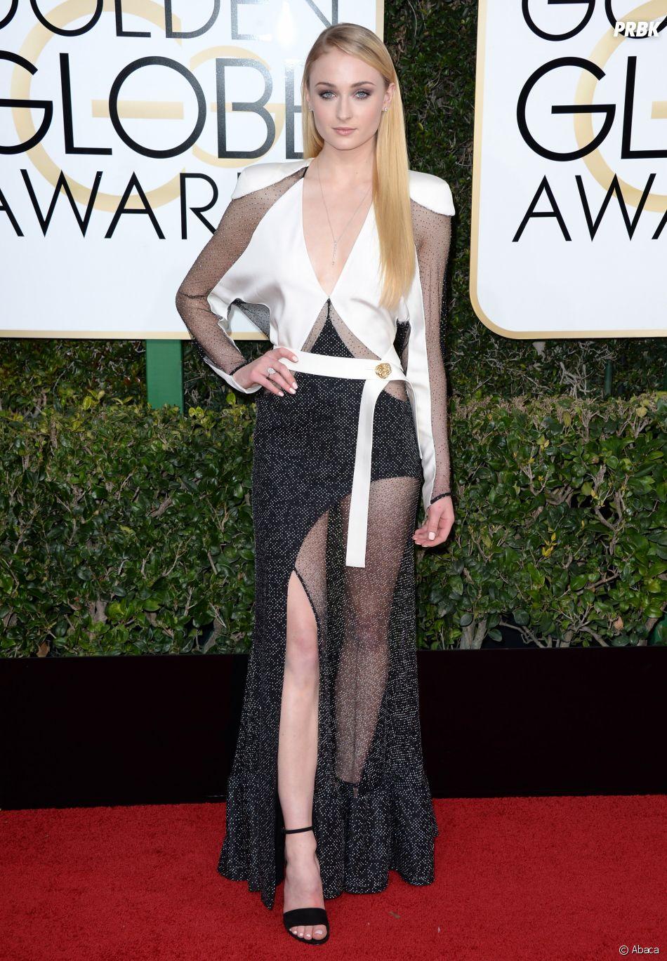 Sophie Turner sur le tapis-rouge des Golden Globes 2017 le 8 janvier à Los Angeles