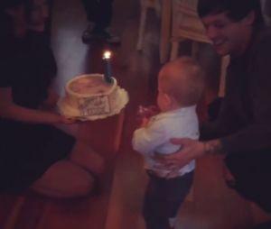 Louis Tomlinson fête le premier anniversaire de son fils Freddie avec Briana Jungwirth