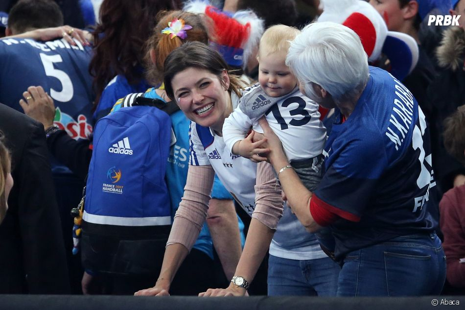 Mondial de Handball 2017 : Nikola Karabatic entouré de sa mère, sa compagne Géraldine Pillet et de leur fils Alek.