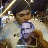 Jason Segel (How I Met Your Mother) : un fan mange sa photo tous les jours