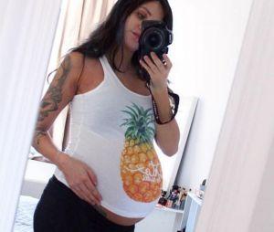 Julia Paredes se confie sur le père de son bébé et sa grossesse.