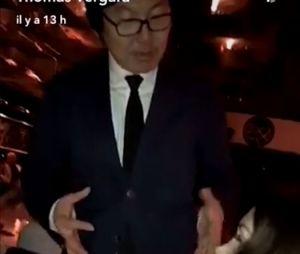 Nabilla Benattia et Jean-Vincent PLacé posent ensemble : le politique est fan d'elle, elle le prend pour le président chinois.