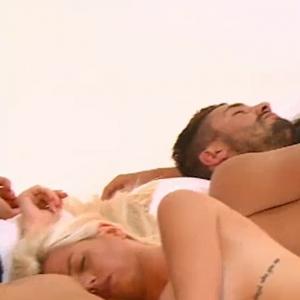 Liam (Les Marseillais South America), Julien Tanti et Jessica Thivenin posent nus