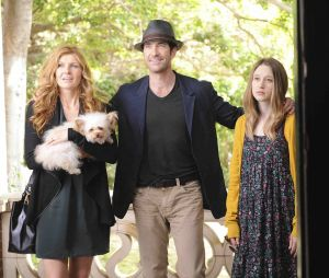 Taissa Farmiga avec Connie Britton et Dylan McDermott dans la saison 1 d'American Horror Story