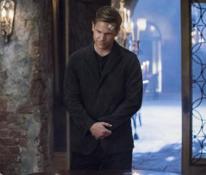 The Originals saison 4, épisode 8 : Alaric (Matt Davis) sur une photo