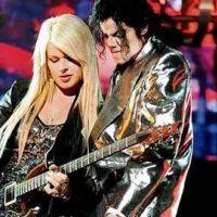 Orianthi ... la guitariste principale de Michael Jackson sort de l'ombre