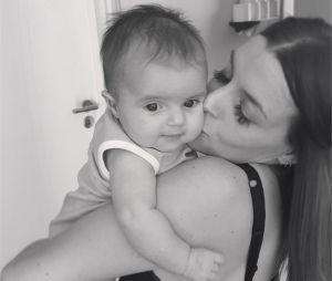 Alexia Mori : de nouvelles photos trop chou de sa fille Louise
