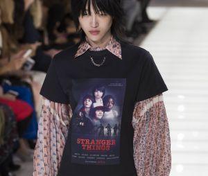 Louis Vuitton avait aussi glissé un tee-shirt Stranger Things dans son défilé Printemps-Été 2018.