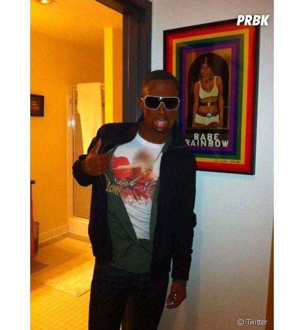 Colton Haynes déguisé en Kanye West pour Halloween !