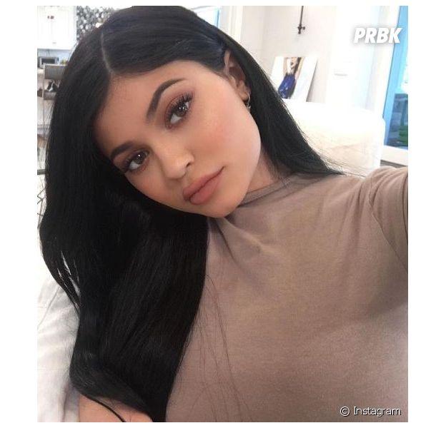 Kylie Jenner pas enceinte ? La photo qui sème le doute !