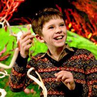 Freddie Highmore : le petit garçon de Charlie et la chocolaterie a bien changé !