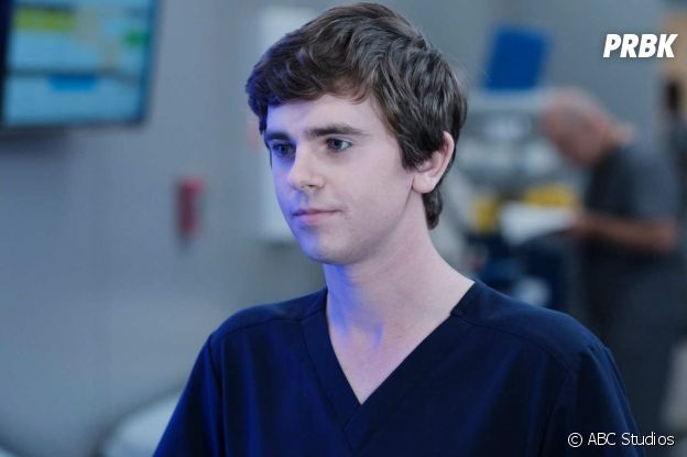 Freddie Highmore dans The Good Doctor