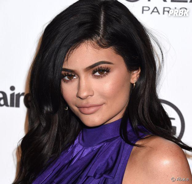 Kylie Jenner enceinte ? Elle aurait annoncer sa grossesse à sa famille... avec des donuts !
