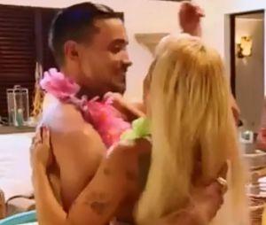 La Villa des Coeurs Brisés 3 : Aurélie Preston et son prétendant Julien s'embrassent !