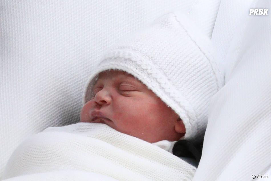 Kate Middleton et le Prince William présentent Louis à Londres le 23 avril 2018