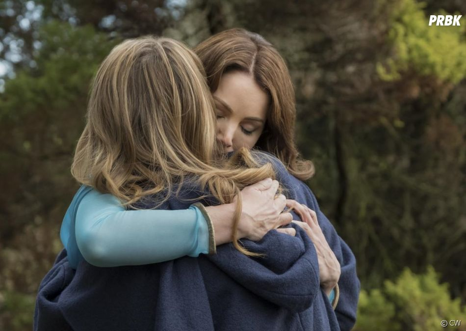 Supergirl saison 3, épisode 20 : Kara (Melissa Benoist) retrouve sa mère Alura (Erica Durance)