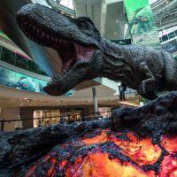 Jurassic World 2 : un T-Rex géant débarque à Paris