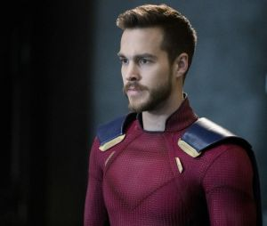 Supergirl saison 3 : Chris Wood va-t-il quitter la série ?