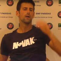 Roland-Garros 2018 : Novak Djokovic abattu après sa défaite, la vidéo malaisante
